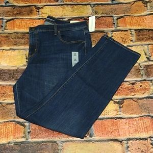 Old Navy Curvy Straight Mid Rise Jeans size 16